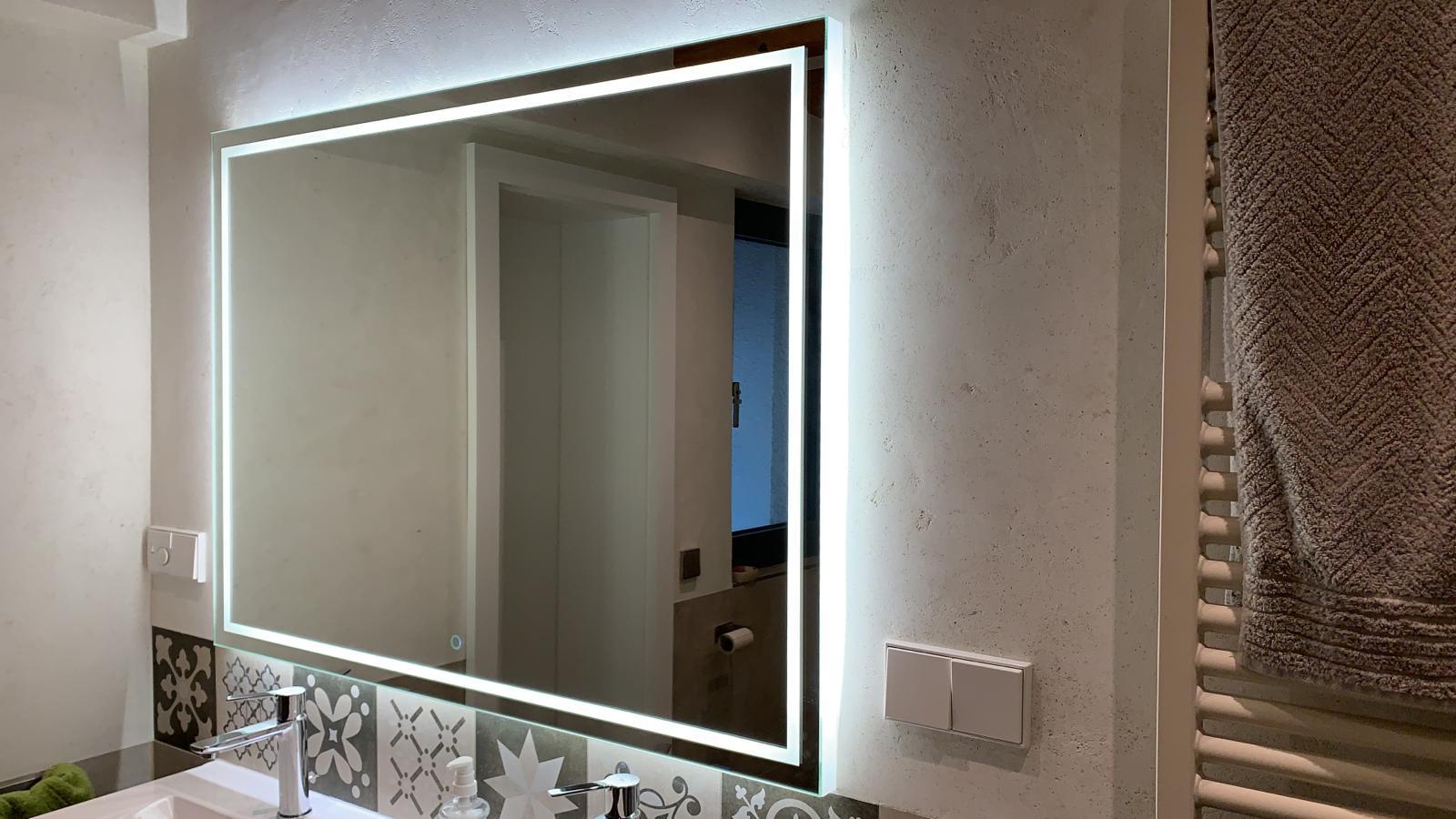 Badspiegel mit LED Aurora