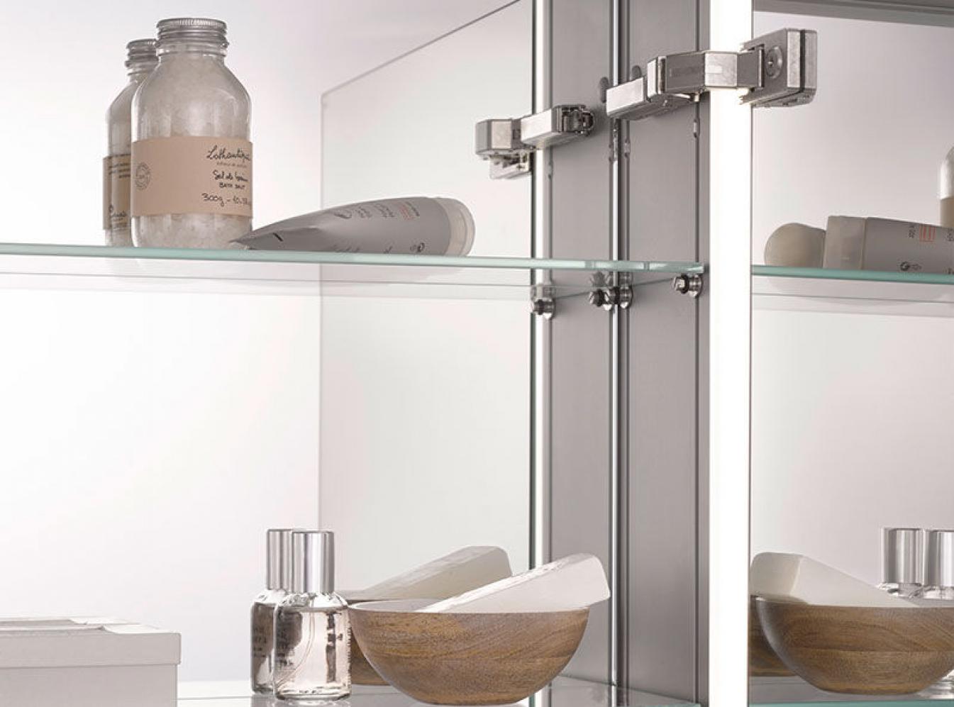 emco spiegelschrank mit innovativer technik. Black Bedroom Furniture Sets. Home Design Ideas